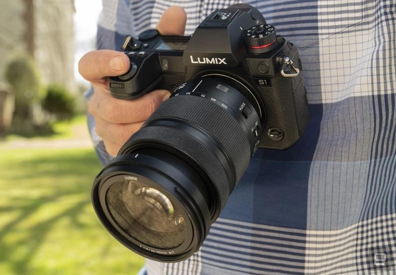 anunturi gratuite Best Camera 2019 = Panasonic S1