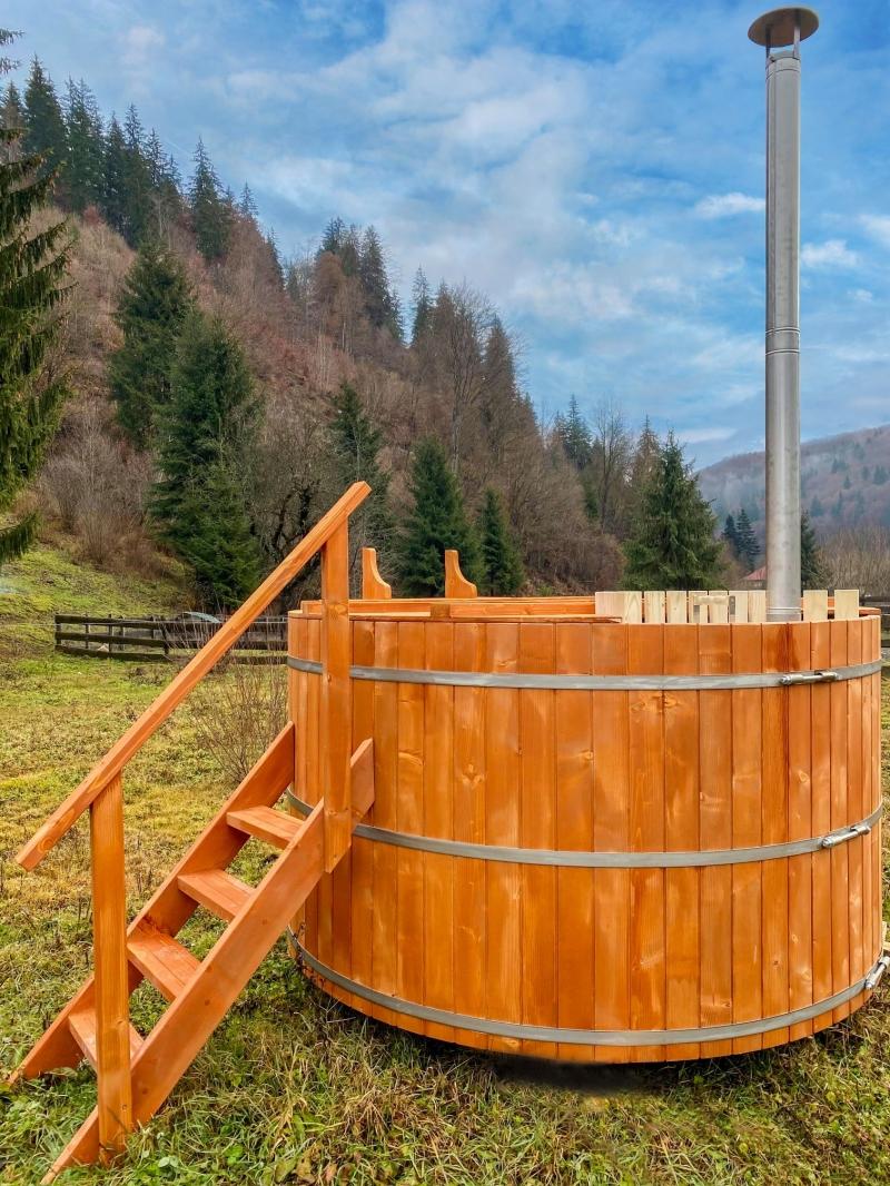 anunturi gratuite Ciubar din lemn , hot tub, 100% garantat, calitate superioara