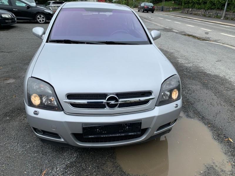 Donez mașina mea de ediție sport vectra Opel GTS Mașină