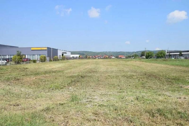 OCAZIE - teren intravilan Oradea, showroom, service, hala industriala