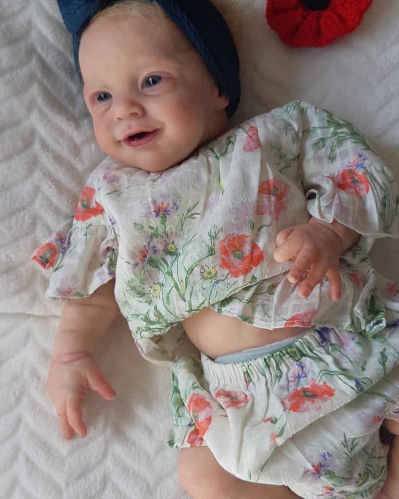 Păpuși autentice pentru bebeluși renăscute și din silicon