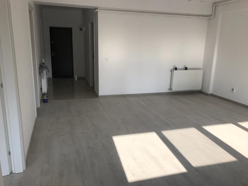 Propietar vând apartament nou 3 camere
