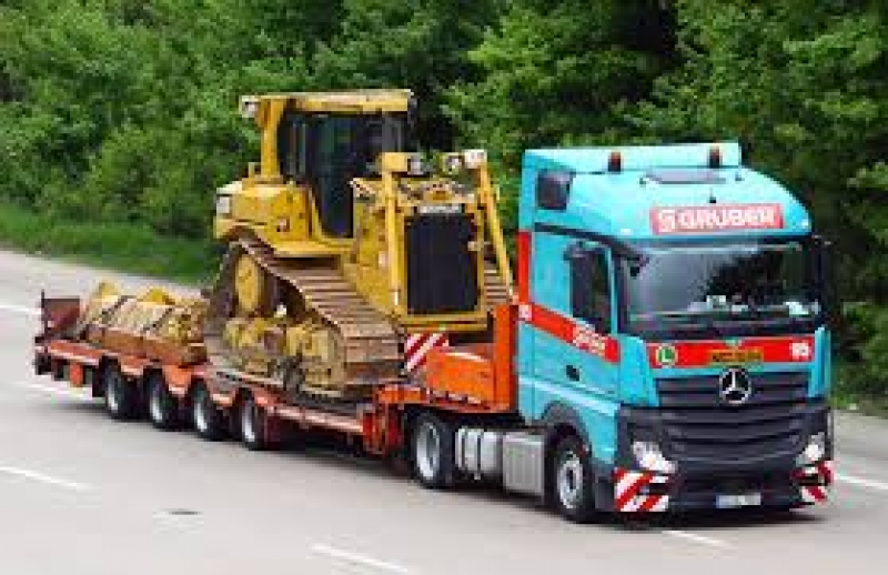 Soferi camion Gruber Logistic