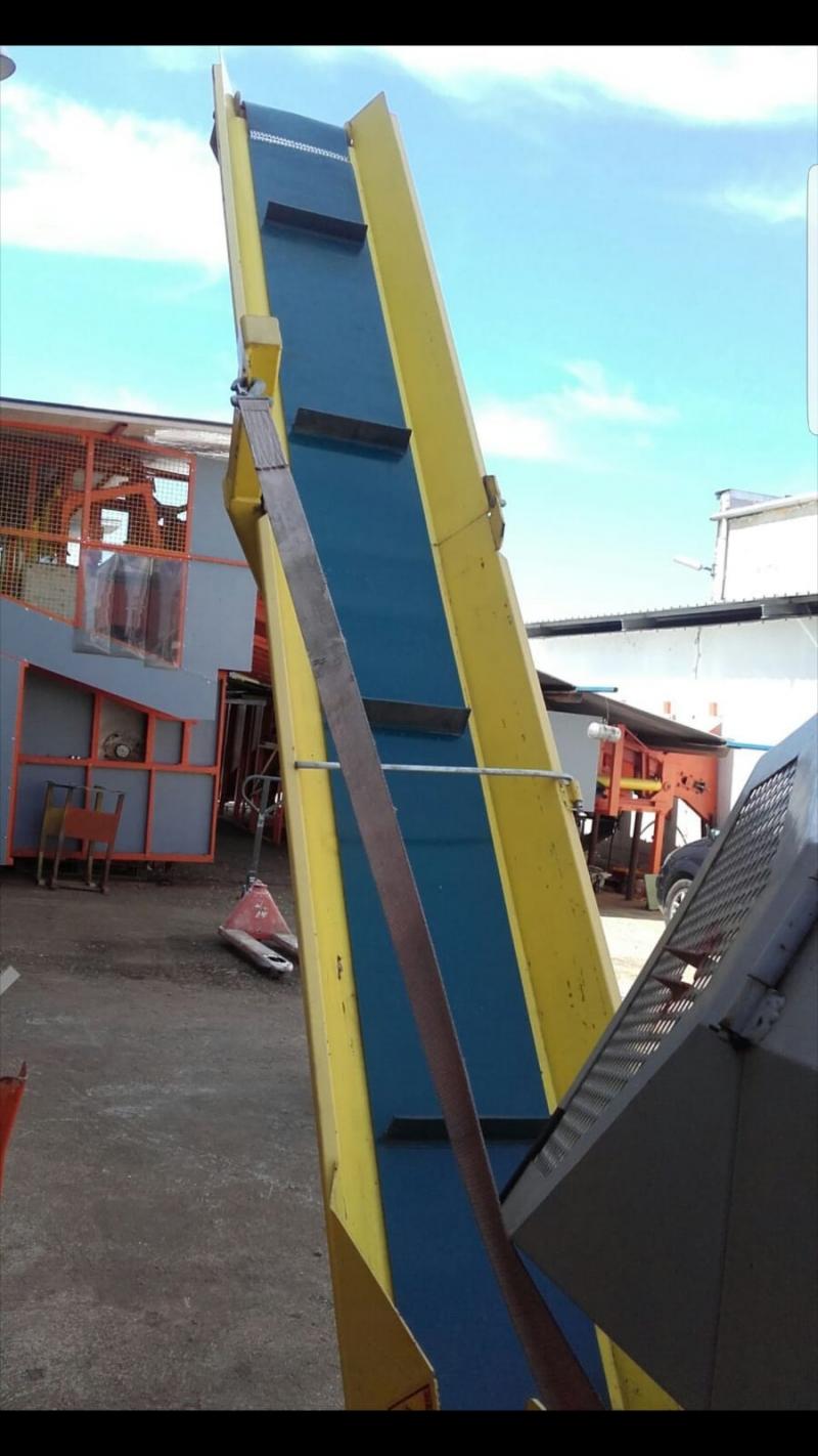 Vand centru de lucru pentru taiat lemne