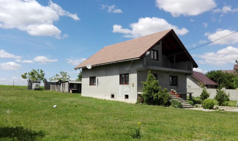 anunturi gratuite Casa si teren 897 mp, sat Reuseni, Suceava