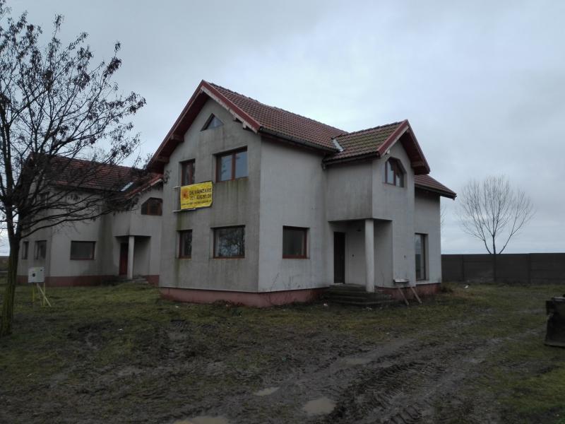 anunturi gratuite Casa 110 mp si teren 450 mp, str. 503, Pecica